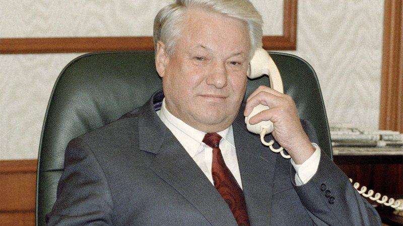Наташа Королева поделилась видео с гастрольного тура в поддержку Ельцина