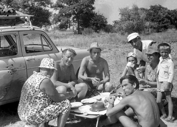 Лото и домино: как проводили свой досуг советские граждане