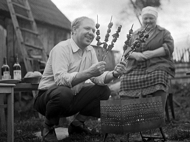 Клоун Олег Попов в гостях у родителей на даче