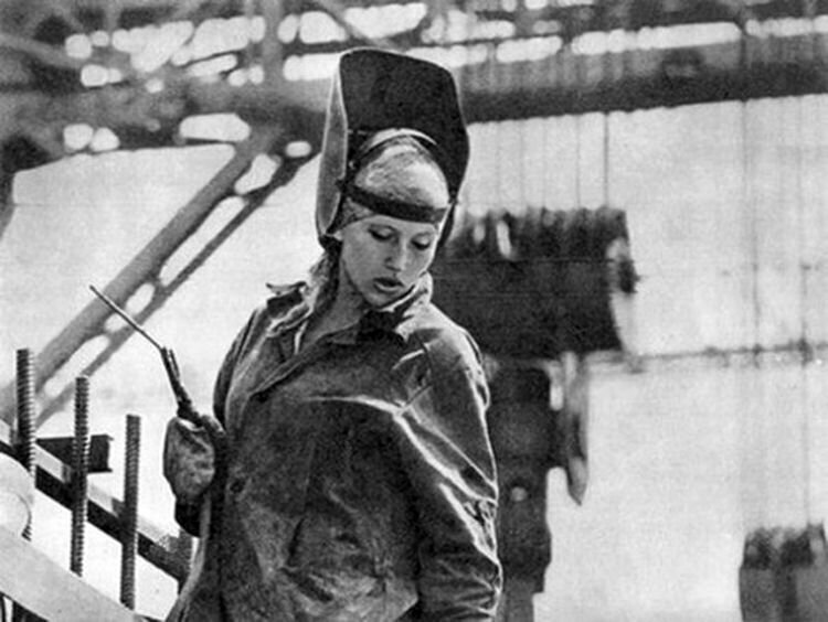 Профессии для настоящих женщин: удивительные кадры из СССР