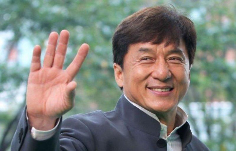Джеки Чан признался в любви к своим фанатам на русском языке