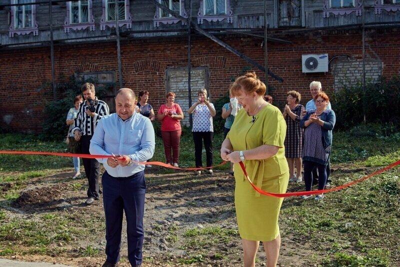 Аплодисменты мусорной площадке: в Тверской области торжественно открыли место для отходов