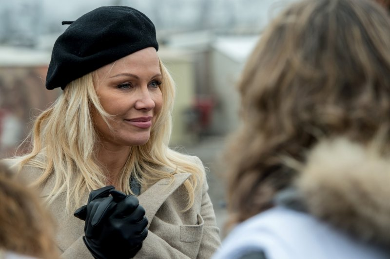 Памела Андерсон поблагодарила президента России за освобождение косаток