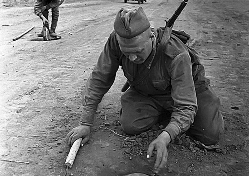 Сапер спас 5 наших танков при помощи русской смекалки