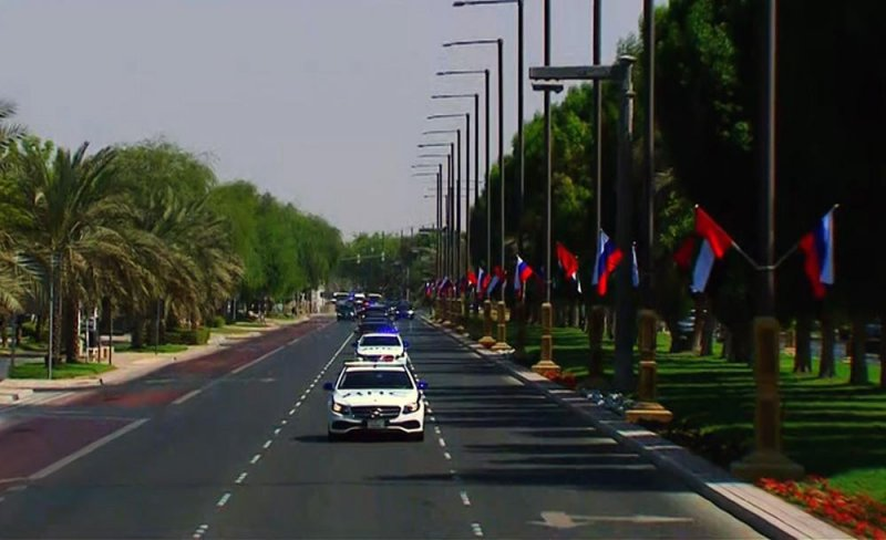 Возвышенный прием: в небе над Абу-Даби появился триколор в честь визита Путина