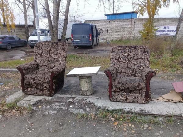 В Нижегородской области с помощью мебели пытаются привлечь внимание властей