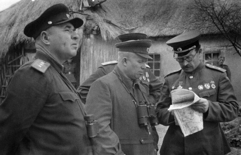 Что стало с генералом, обругавшим самого Сталина?
