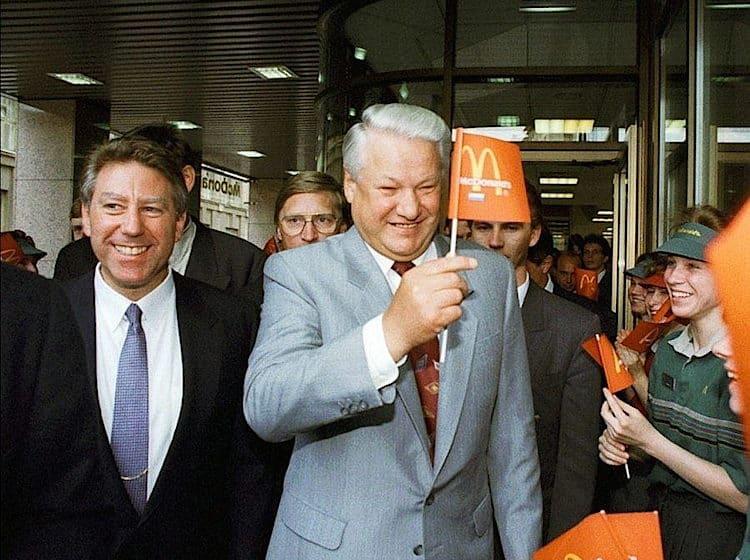 Чем запомнилось открытие первого «Макдоналдс» в СССР?