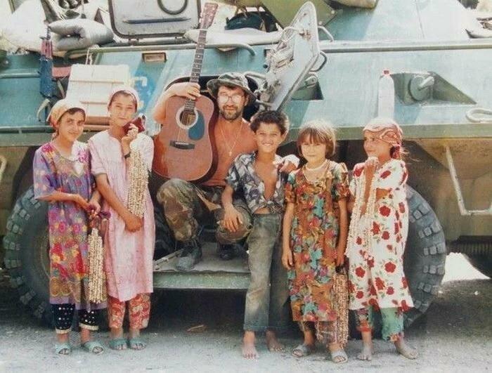 Юрий Шевчук с детьми