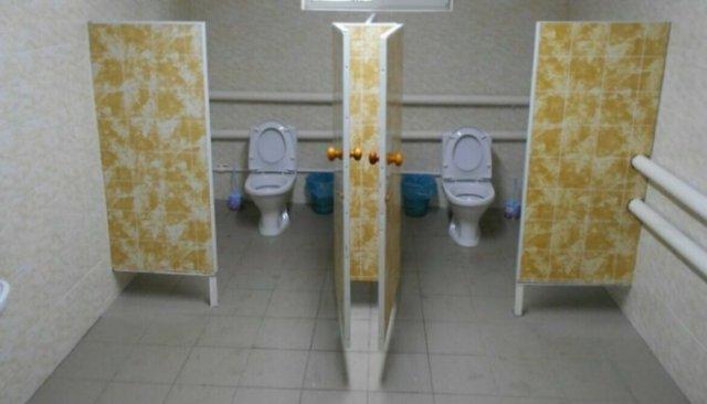 В российской школе торжественно открыли теплый туалет