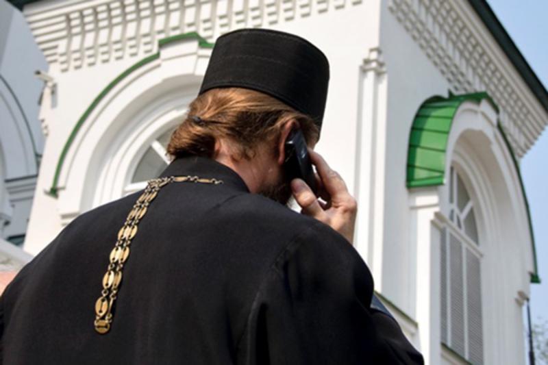 """""""У меня знак на машине"""": рязанский священник ответит за наглую парковку на тротуаре"""