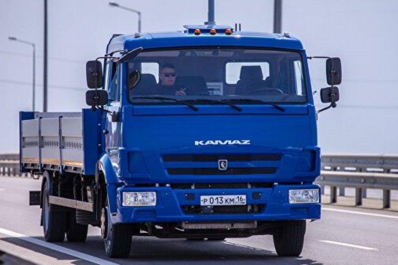 Беспилотник вышел на работу: КамАЗ запустил уникальный грузовик