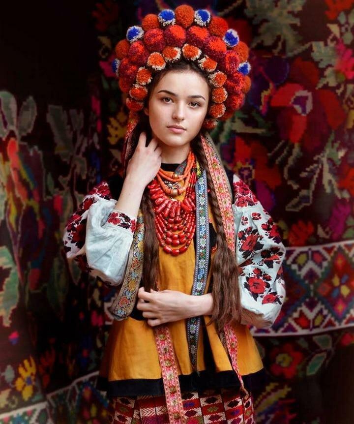 них настолько фото украинок в национальных костюмах добилась