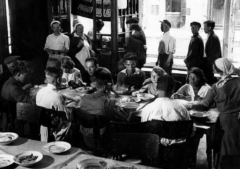 Советский общепит: кухня, любимая поколениями