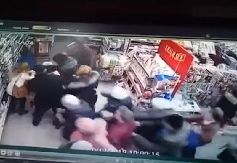 В Башкирии покупатели устроили давку из-за телевизоров