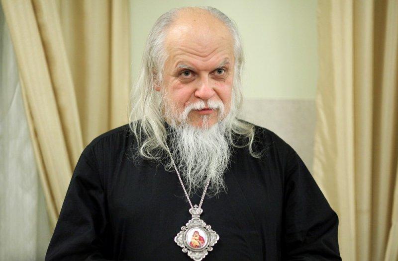 """В РПЦ сообщили, что """"злодейские деньги"""" нельзя нести в храм"""