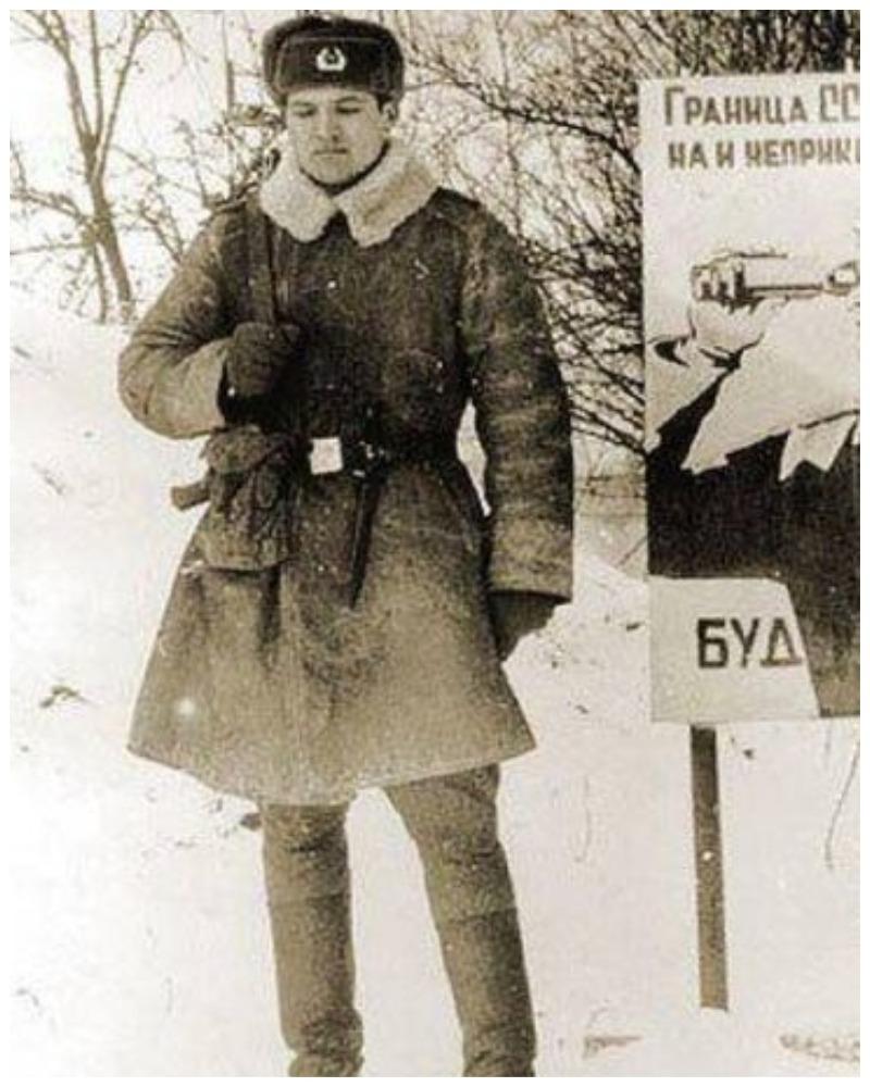 Будущий Президент Беларуси на страже Родины