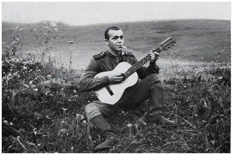 Рядовой Иосиф Кобзон. 1958 год