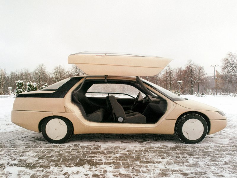 «Истра». Единственный  макет Москвич-2144 «Истра» был разработан в 1985-1988 гг. в Управлении конструкторских и экспериментальных работ АЗЛК.