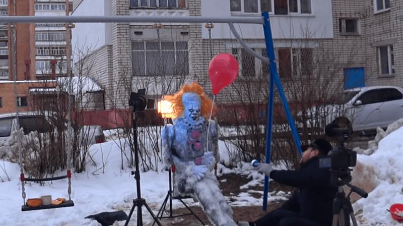 В Сарове слепили очень жуткого снеговика