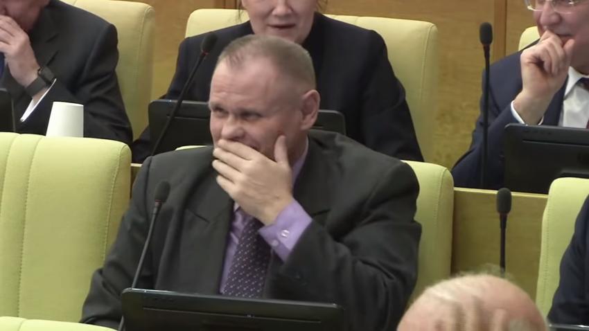 Депутат Моляков рассмешил коллег туалетным предложением