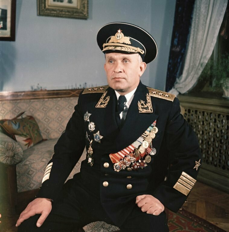 Адмирал Горшков в форме. Крым, Севастополь, 1954