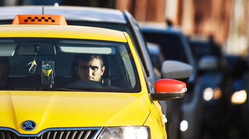 Таксистов решили обезопасить от коронавируса