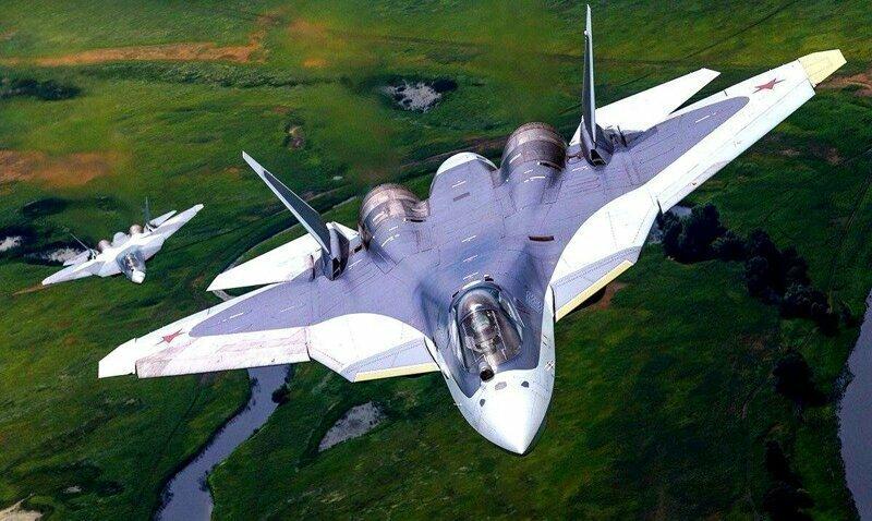 Истребители Су-57 продемонстрировали в небе свои возможности