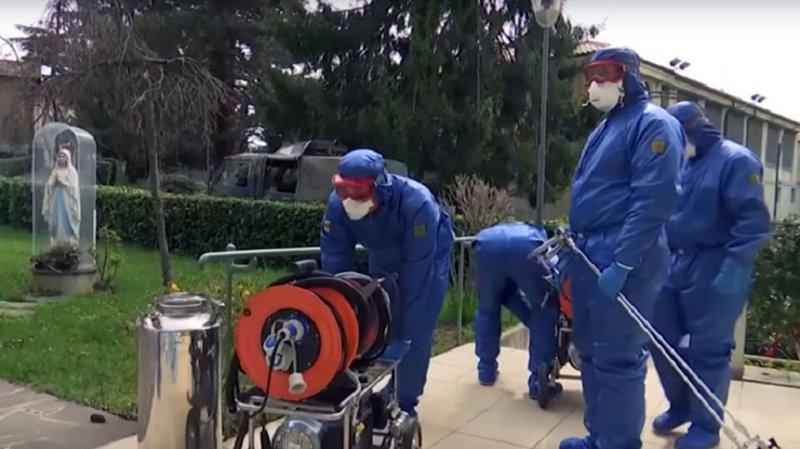 Итальянцы показали, как российские специалисты помогают им бороться с пандемией