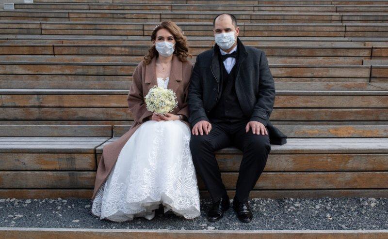 Свадьба онлайн: россияне приспосабливаются к жизни в условиях пандемии