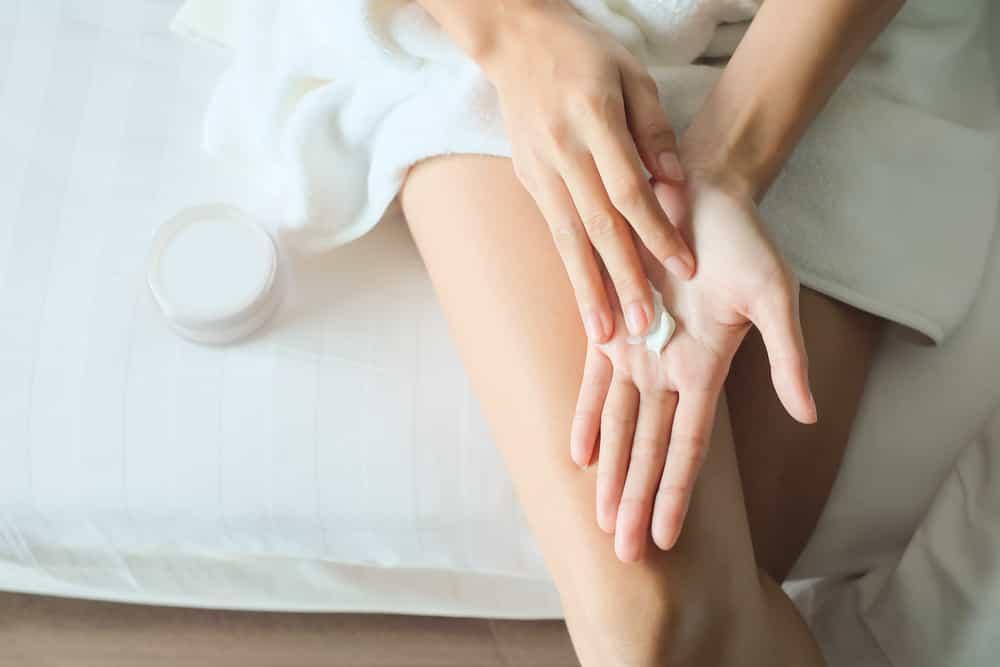 """""""Могут возникнуть вирусные заболевания"""": российский врач высказалась о частом мытье рук"""