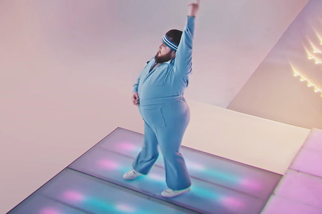 Пухляш из клипа Little Big появился в рейтинге Forbes