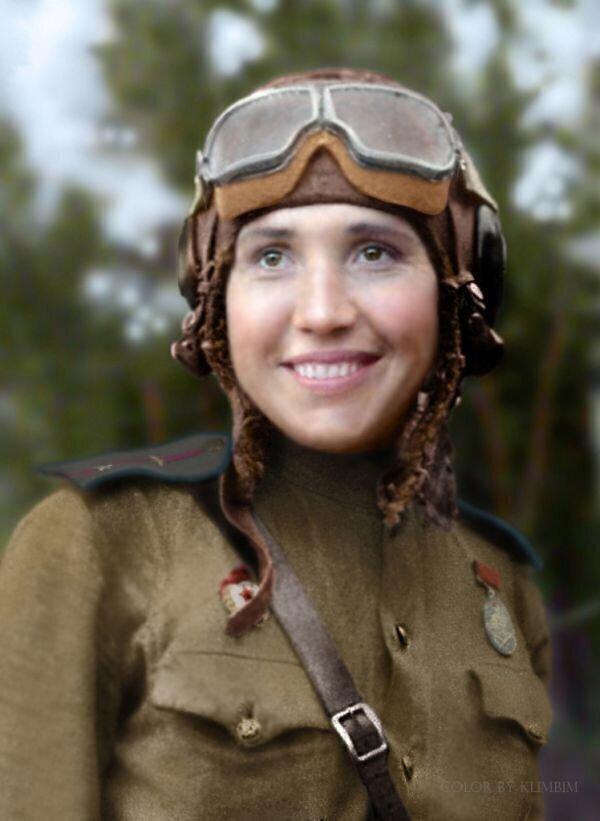 Лётчик-истребитель Антонина Лебедева