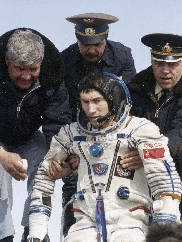 Космонавт Сергей Крикалев - отправился на орбиту будучи гражданином СССР, а вернулся россиянином