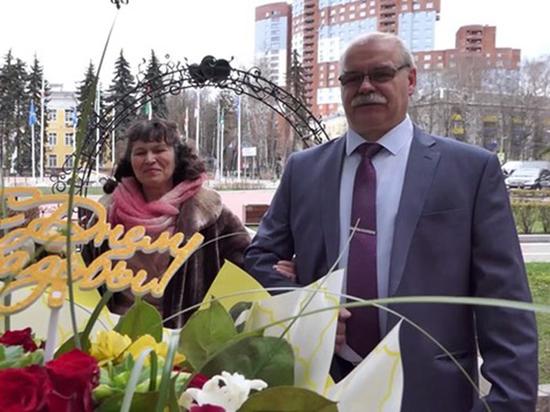 Супружеская пара из Москвы получила штраф за выход на балкон