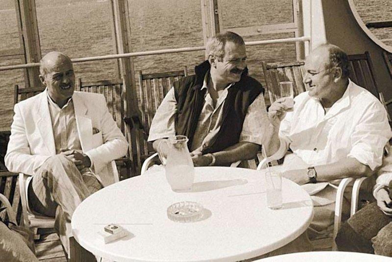 """Станислав Говорухин, Никита Михалков и Михаил Жванецкий на теплоходе """"Федор Шаляпин"""". 18 сентября 1988 года."""