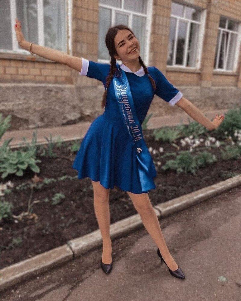 Карантин не помеха: самые яркие образы выпускниц 2020 года