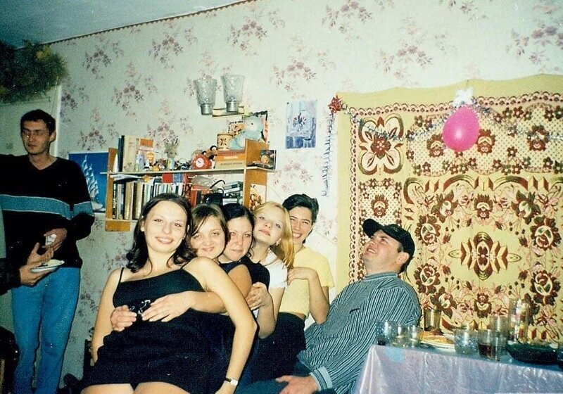 Время молодости и веселья: быт в студенческих общежитиях 90-х