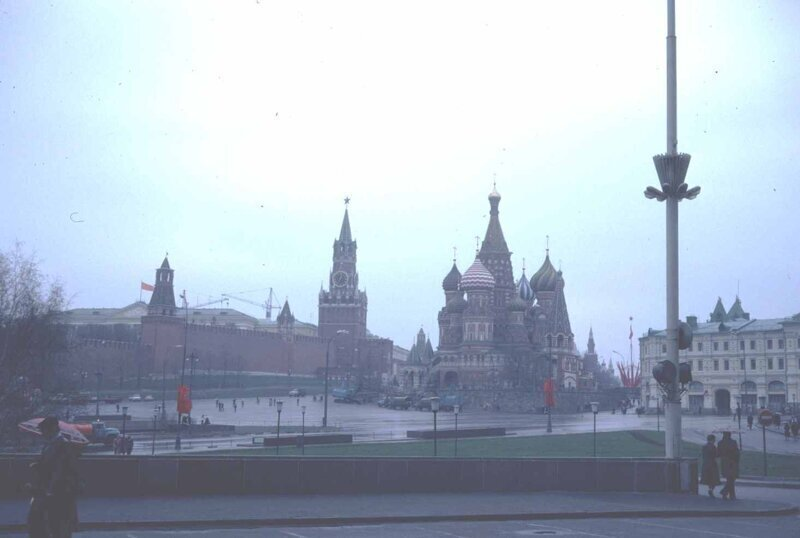 Ностальгия: фото 1 мая 1982 года