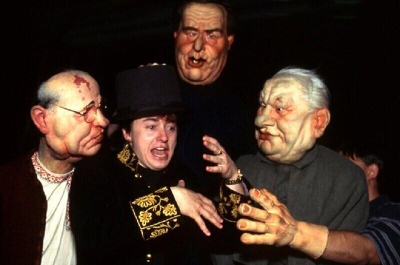 """Безруков на съёмочной площадке сатирического шоу """"Куклы"""". Безруков озвучивал разных персонажей с 1995 по 1999 год"""
