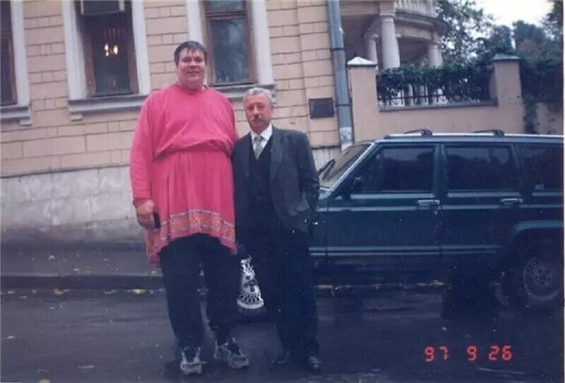 Актёр Юрий Думчев и Леонид Якубович, 1997 год