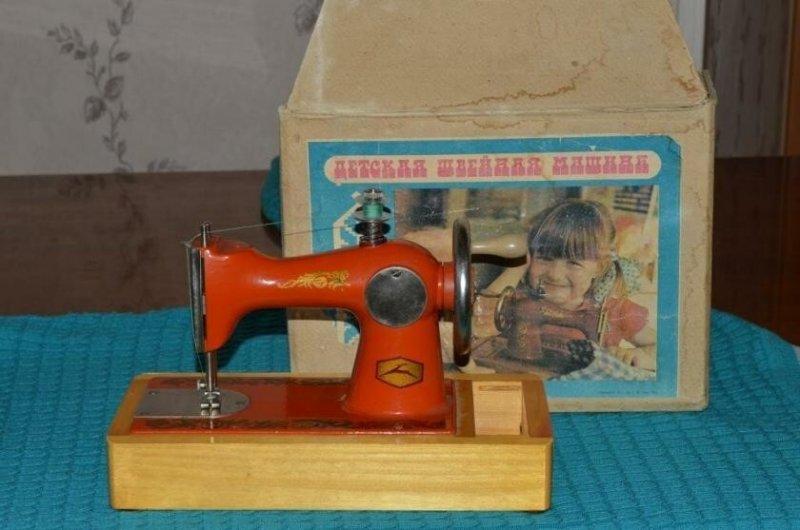 Факт 3 - большому разнообразию игрушек в виде бытовых предметов производство обязано принятому закону
