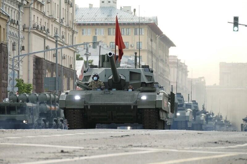 Репетиция парада Победы против асфальта на Тверской