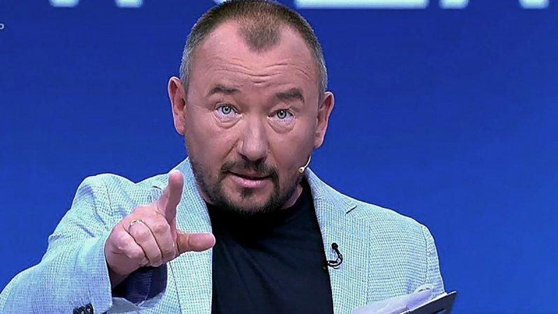 """Ведущий федерального канала назвал геев """"конченными"""""""