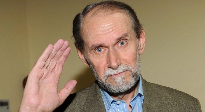 Петросян подает в суд на Коклюшкина за оскорбление своей молодой жены