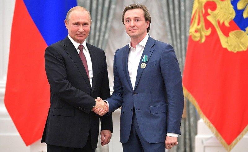 В Кремле наградят чиновников и артистов, помогавших в подготовке голосования по поправкам в Конституцию