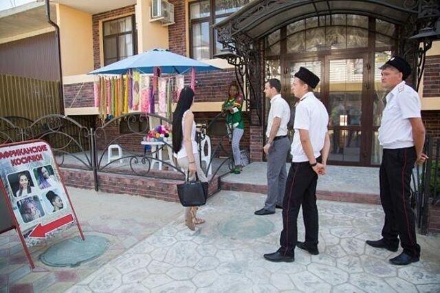 В Анапе казаки устроили облаву на чернокожих