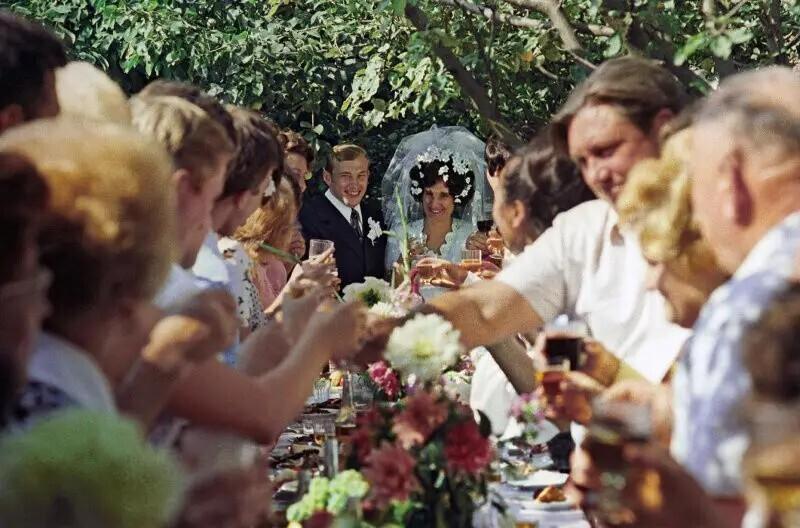 Комсомольская свадьба, 1975 год. Автор фото: Эдуард Эттингер