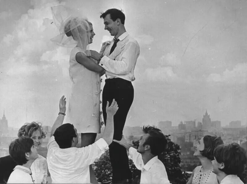 """""""В облаках"""", Москва, 1969 год. Авторы: Нина Свиридова, Дмитрий Воздвиженский"""