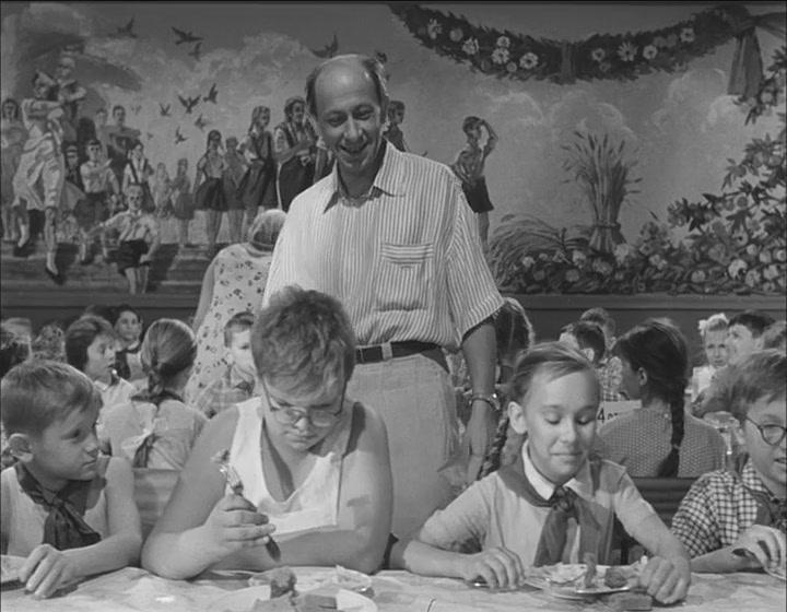 «Добро пожаловать, или посторонним вход воспрещен»: цитаты из советской комедии